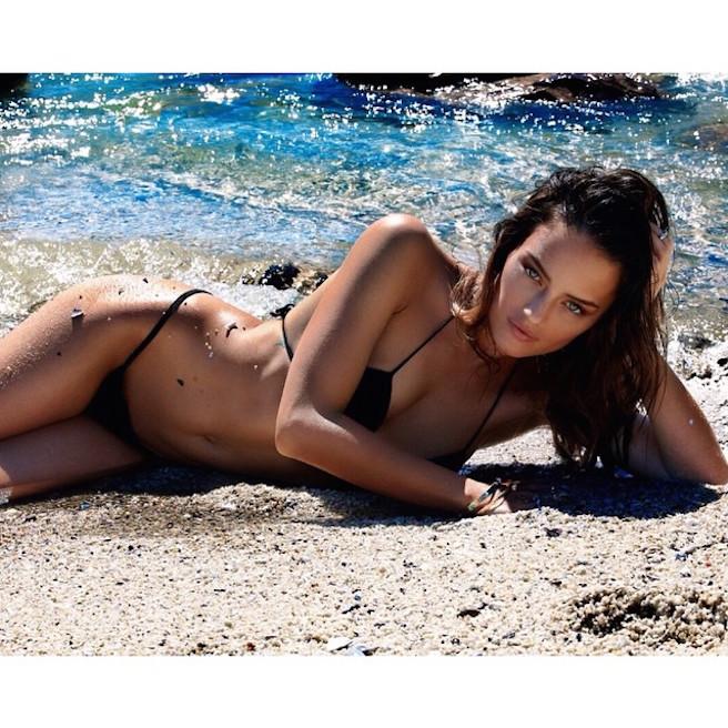 Jessica Lee Buchanan-Instagirl-Instagram-Sexy-Jolie-Fille-Bombe-Brune-Yeux-Bleus-Afrique du Sud-Cape Town-Mannequin-Femme-Sport-Ice-Model-Management-Bikini-effronte-12