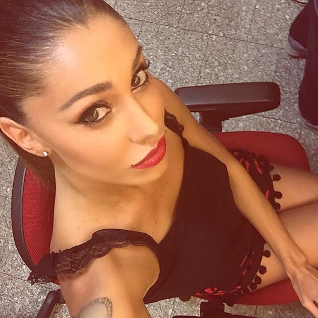 Maria Belen Rodriguez-Instagirl-Instagram-Sexy-Jolie-Fille-Bombe-Brune-Argentine-Italienne-Mannequin-Femme-Sport-Bikini-effronte-07