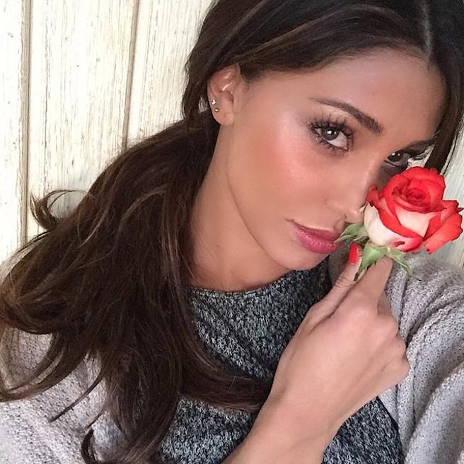 Maria Belen-Rodriguez-Instagirl-Instagram-Sexy-Jolie-Fille-Bombe-Brune-Argentine-Italienne-Mannequin-Femme-Sport-Bikini-effronte-09