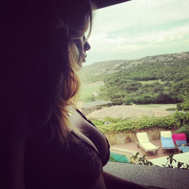 Melissa Satta-Instagirl-Instagram-Sexy-Jolie-Fille-Bombe-Blonde-Argentine-Italienne-Mannequin-Femme-Sport-Football-Kevin-Prince-Boateng-Wag-Bikini-effronte-01