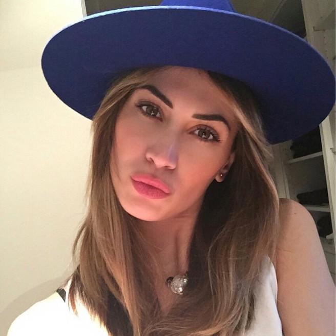 Melissa-Satta-Instagirl-Instagram-Sexy-Jolie-Fille-Bombe-Blonde-Argentine-Italienne-Mannequin-Femme-Sport-Football-Kevin-Prince-Boateng-Wag-Bikini-effronte-12