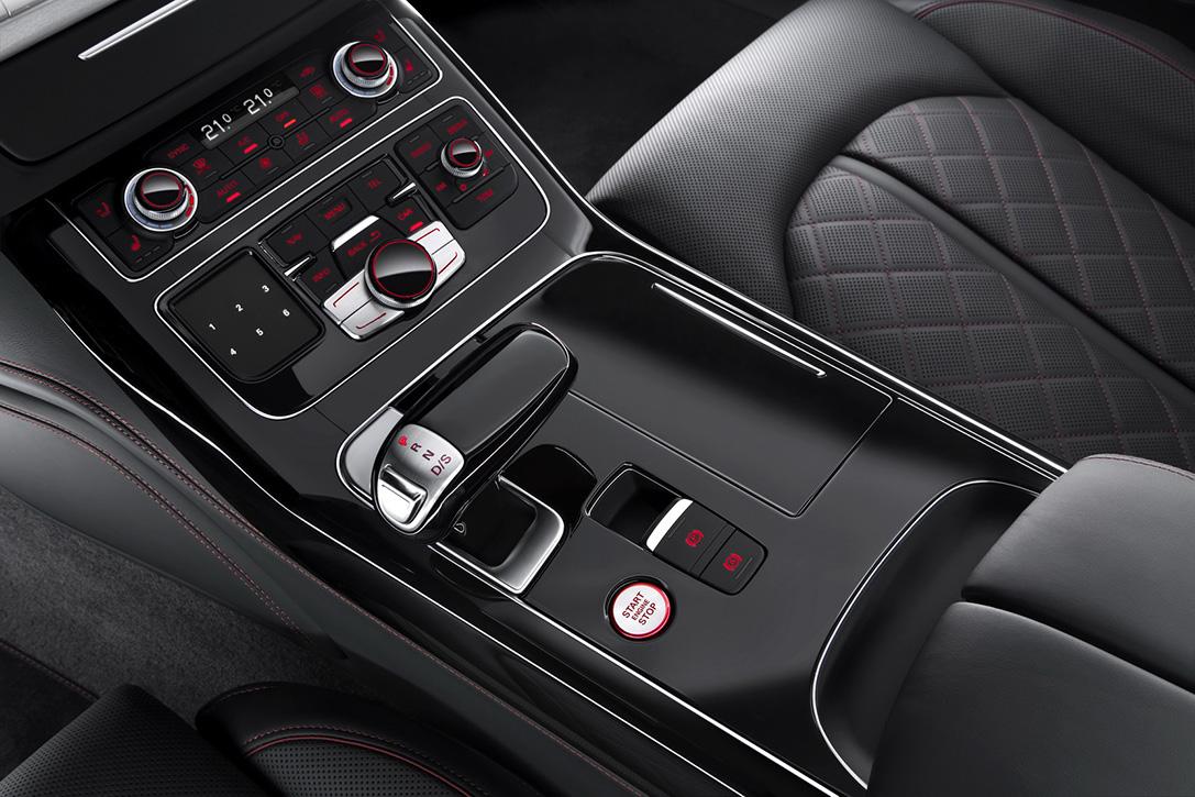 2016-Audi-S8-Plus-Sport-Voiture-Effronte-07