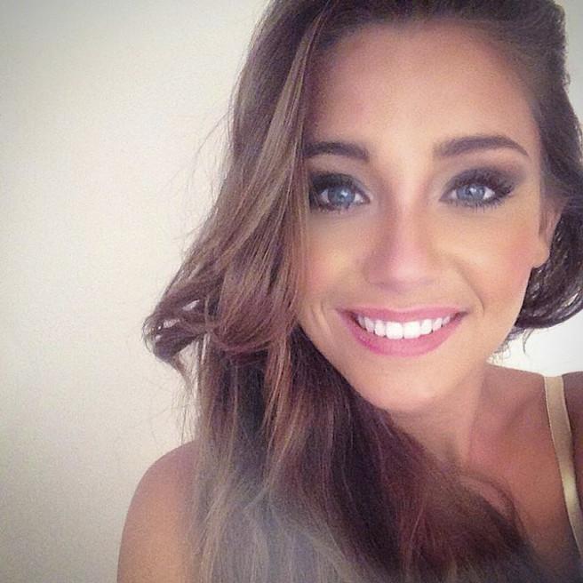 Charlotte-Pirroni-Instagirl-Instagram-Sexy-Jolie-Canon-Fille-Femme-Brune-Française-France-Flaurian-Thauvin-Copine-Mannequin-Miss-France-2014-Femme-Joueur-Foot-OM-Newcastle-effronte-15