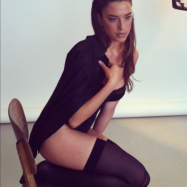 Or-Grossman-Instagirl-Instagram-Sexy-Jolie-Fille-Bombe-Brune-Yeux-Bleus-Israël-Tel-aviv-Juive-Mannequin-Actrice-Diesel-Darty-Bikini-effronte-15