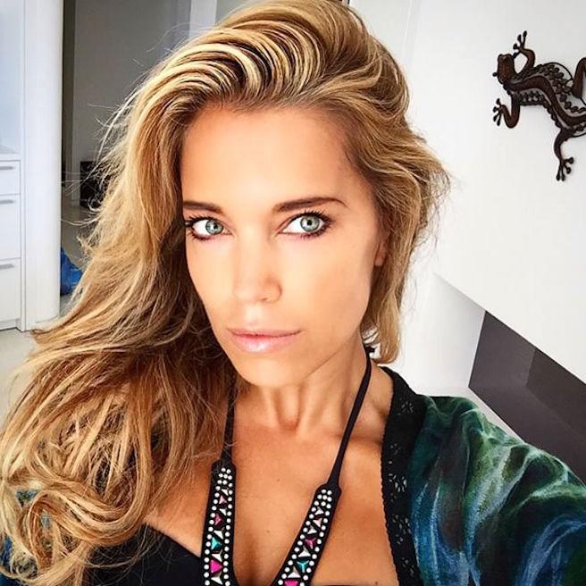 Sylvie Meis-Instagirl-Instagram-Sexy-Jolie-Fille-Bombe-Blonde-Allemande-Allemagne-Présentatrice-RTL-Mannequin-Actrice-Bikini-effronte-04