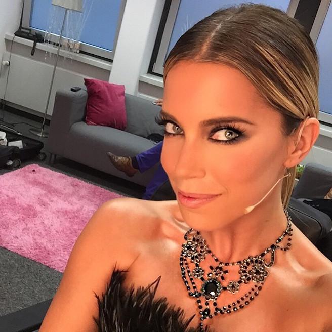 Sylvie Meis-Instagirl-Instagram-Sexy-Jolie-Fille-Bombe-Blonde-Allemande-Allemagne-Présentatrice-RTL-Mannequin-Actrice-Bikini-effronte-06
