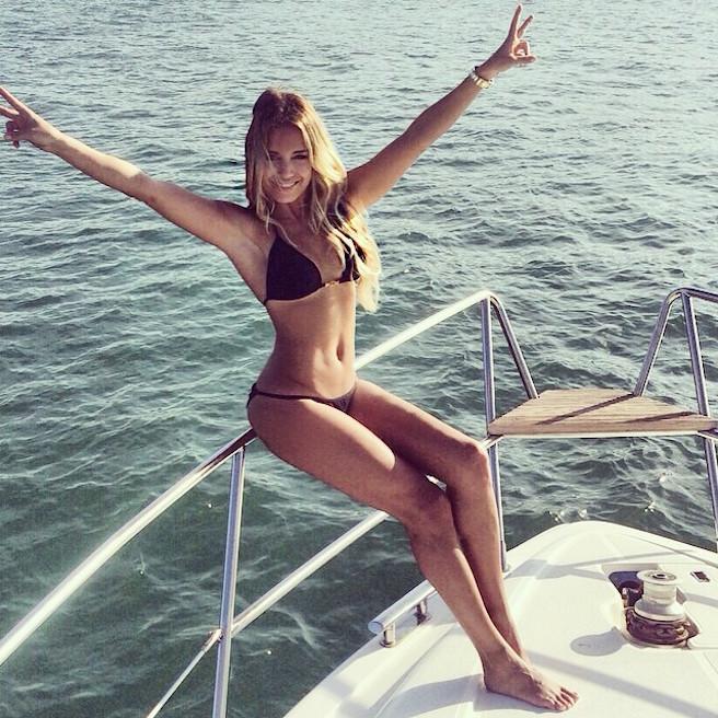 Sylvie-Meis-Instagirl-Instagram-Sexy-Jolie-Fille-Bombe-Blonde-Allemande-Allemagne-Présentatrice-RTL-Mannequin-Actrice-Bikini-effronte-15