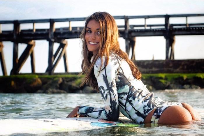 Victoria Vergara-instagirl-instagram-sexy-jolie-canon-bombe-surfeuse-surf-française-france-la-rochelle-longboard-bodyboard-mannequin-effronte-00
