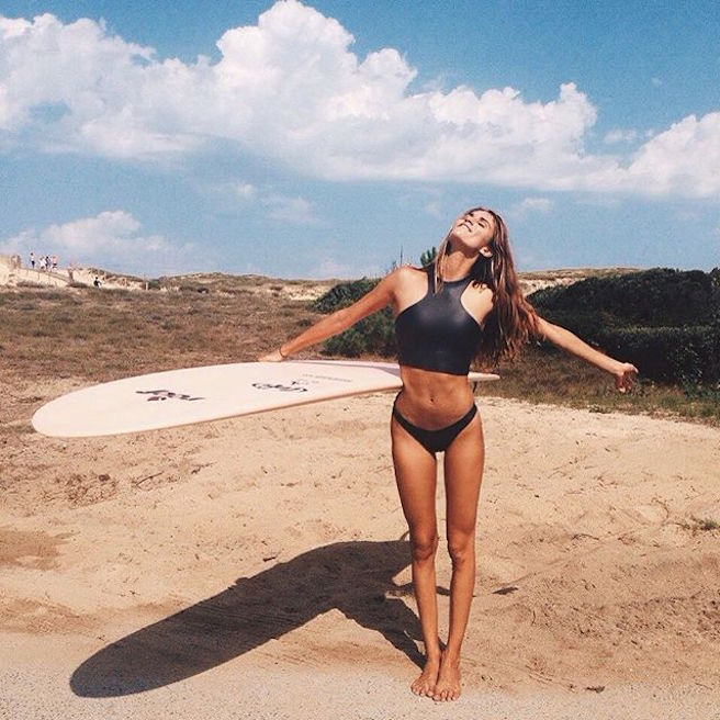 Victoria Vergara-instagirl-instagram-sexy-jolie-canon-bombe-surfeuse-surf-française-france-la-rochelle-longboard-bodyboard-mannequin-effronte-01