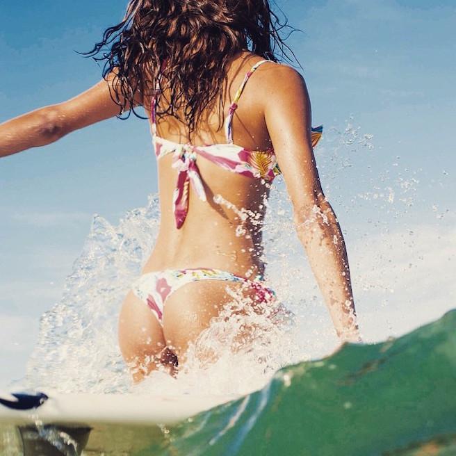 Victoria Vergara-instagirl-instagram-sexy-jolie-canon-bombe-surfeuse-surf-française-france-la-rochelle-longboard-bodyboard-mannequin-effronte-09