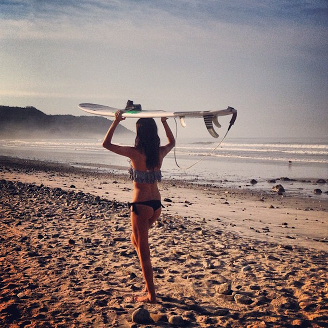 Victoria-Vergara-instagirl-instagram-sexy-jolie-canon-bombe-surfeuse-surf-française-france-la-rochelle-longboard-bodyboard-mannequin-effronte-15