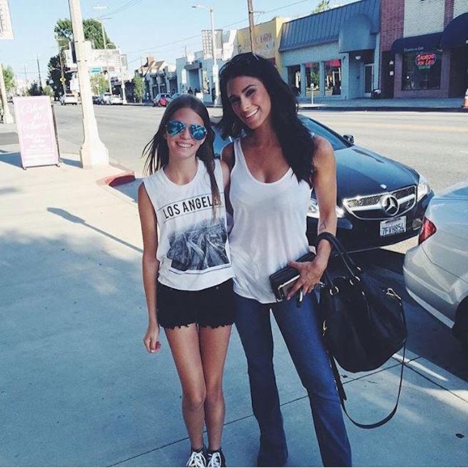 Brittany-Furlan-Instagirl-Instagram-Sexy-Jolie-Canon-Fille-Femme-Brune-Vine-Humoriste-Drôle-Américaine-USA-Mannequin-effronte-11
