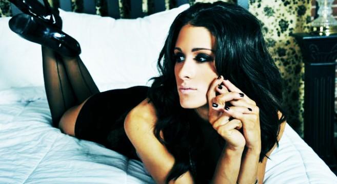 Brittany Furlan-Instagirl-Instagram-Sexy-Jolie-Canon-Fille-Femme-Brune-Vine-Humoriste-Drôle-Américaine-USA-Mannequin-effronte-Cover-02