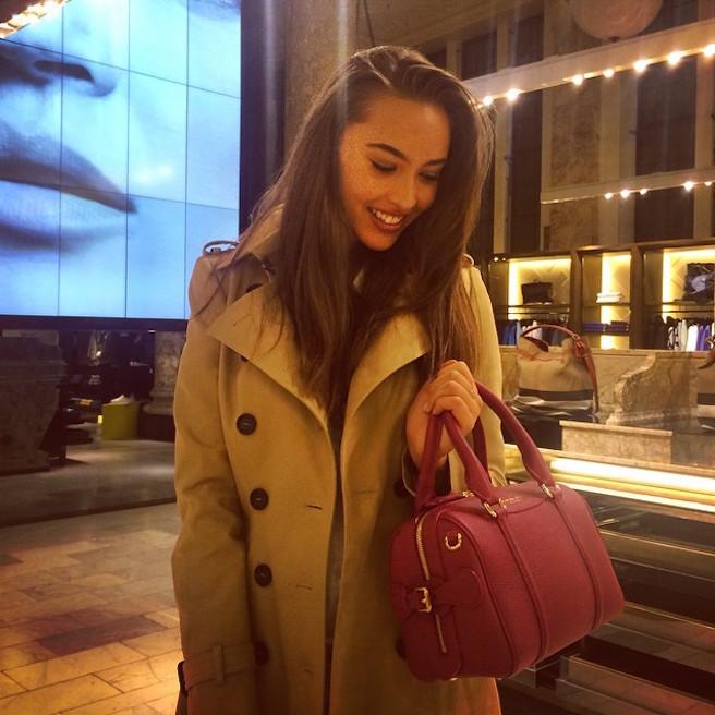 Chanel Stewart-Instagirl-Instagram-Sexy-Jolie-Canon-Fille-Femme-Brune-Mannequin-Mode-Australie-Los Angeles-effronte-07