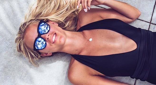 Janni Delér-Jannid-Instagirl-Instagram-Sexy-Jolie-Canon-Fille-Femme-Blonde-Blogueuse-Mode-Suédoise-Suède-Mannequin-effronte-Cover-02