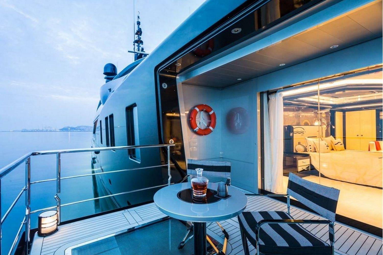 Okto-ISA-Yachts-Yacht-Mégayacht-Alberto-Pinto-Granturismo-effronté-11