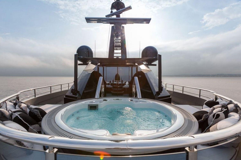 Okto-ISA-Yachts-Yacht-Mégayacht-Alberto-Pinto-Granturismo-effronté-12