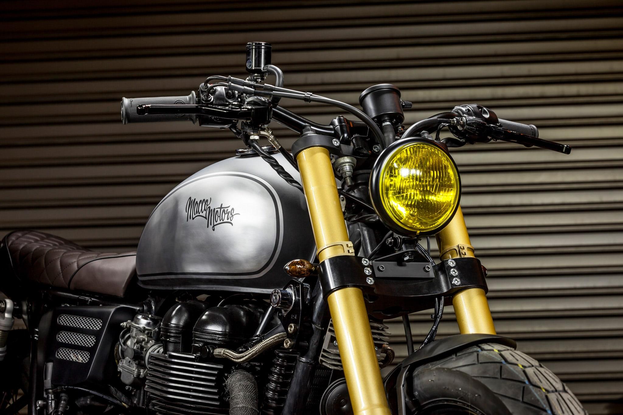 Triumph-Bonneville-The-Maltese-Falcon-Moto-Macco-Motors-Effronté-04-min