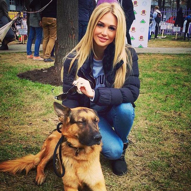 Victoria Lopyreva-Instagirl-Instagram-Sexy-Jolie-Canon-Fille-Femme-Blonde-Mannequin-Mode-Russe-Rosto-on-Don-Miss-Russie-2003-Ambassadrice-Coupe-du-Monde-Football-2018-effronte-06