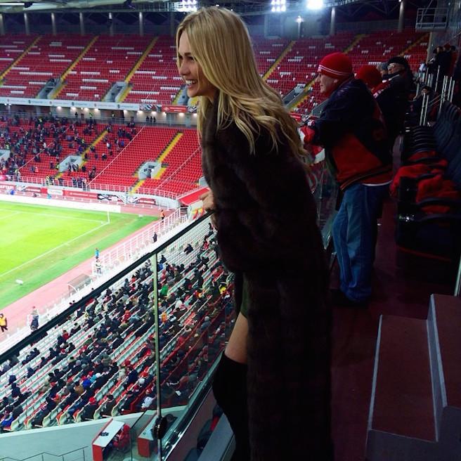Victoria-Lopyreva-Instagirl-Instagram-Sexy-Jolie-Canon-Fille-Femme-Blonde-Mannequin-Mode-Russe-Rosto-on-Don-Miss-Russie-2003-Ambassadrice-Coupe-du-Monde-Football-2018-effronte-12