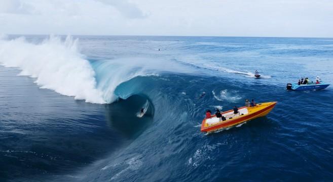Surfer video