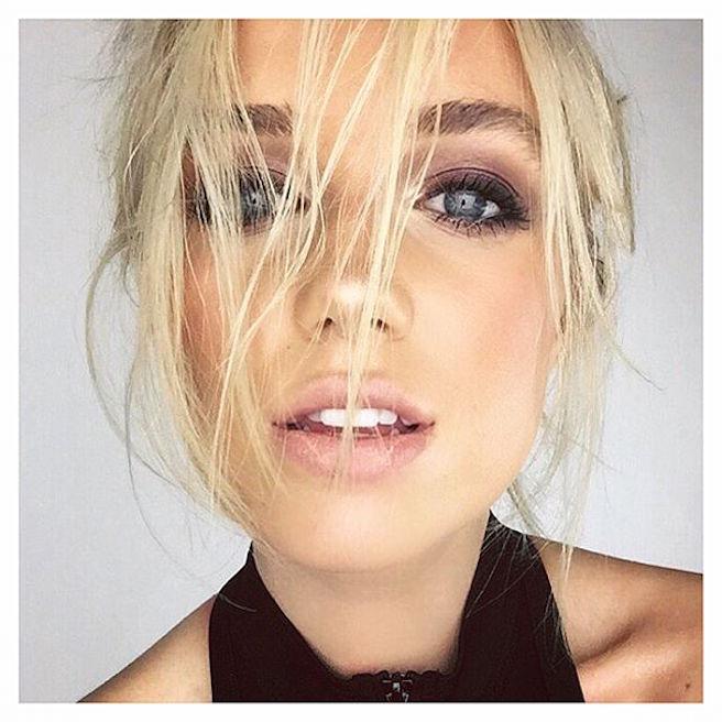 Georgia Martin-Instagirl-Instagram-Sexy-Jolie-Canon-Fille-Femme-Blonde-Mannequin-Elite-Mode-UK-Brittanique-Bikini-effronte-07