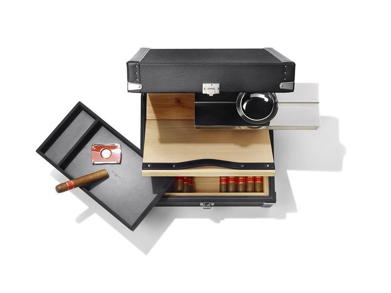 10-idées-cadeaux-pour-les-amateurs-de-cigares-malle-sur-mesure-T.T. Trunks-Paris-luxe-effronté