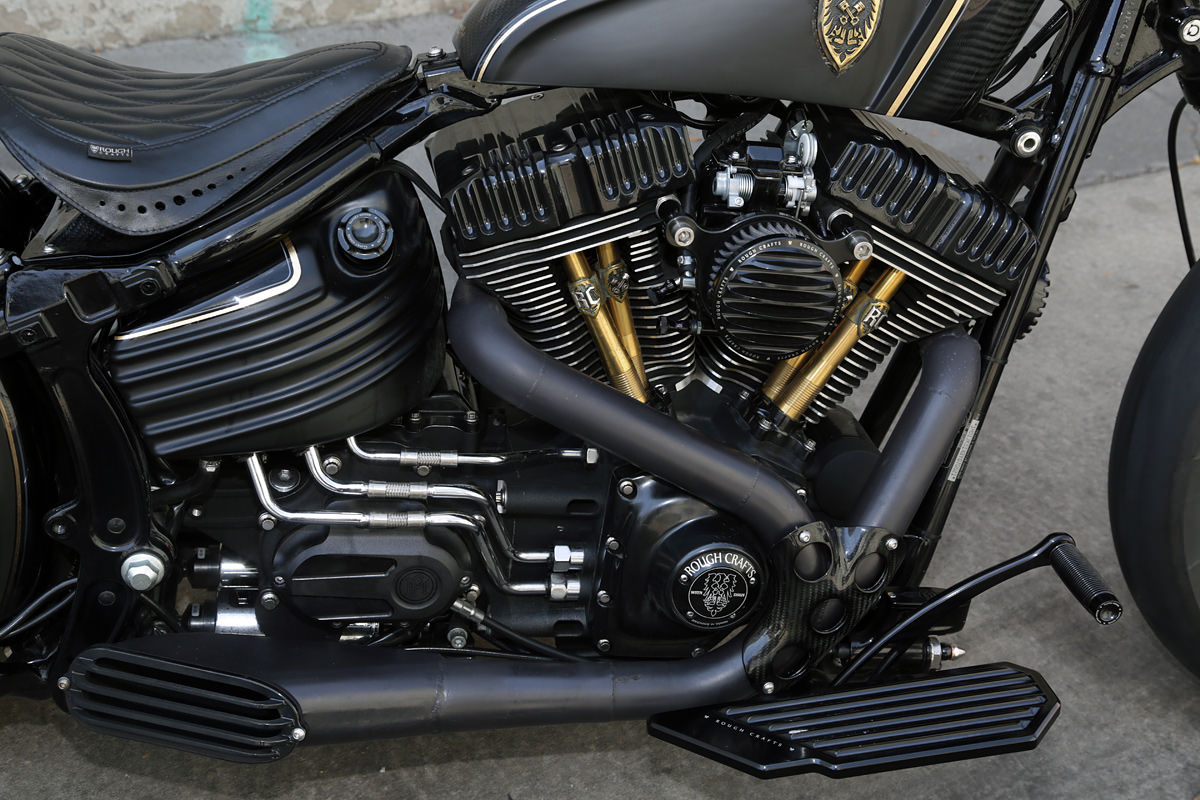 Harley-Softail-Rocker-Dark Cannon-par Rough-Crafts-06