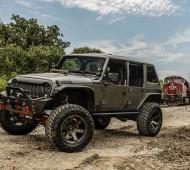 Jeep-Wrangler- Terminator-par-Starwood-Motors-préparé-custom-customisé-effronté-01