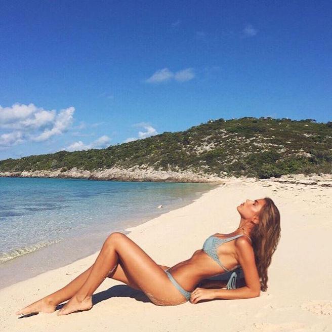 Kara Del Toro-Instagirl-Instagram-Sexy-Jolie-Canon-Fille-Femme-Blonde-Carl's Jr-Tex Mex-Elite-Models-mannequin-effronte-bikini-01