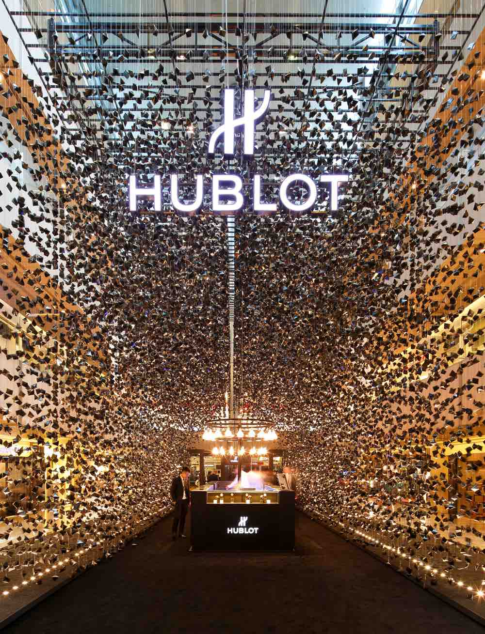 Pop-Up store-Hublot-Cool-Design-Sélection-10-effronté-Singapour