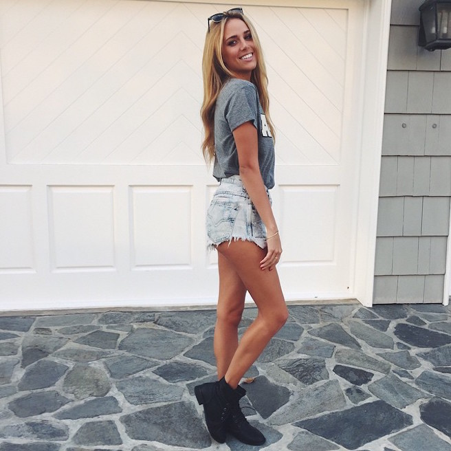 Daniella-Grace-Instagirl-Instagram-Sexy-Jolie-Canon-Fille-Femme-Blonde-Mannequin-Wilhelmina-Models-Bikini-effronte-13