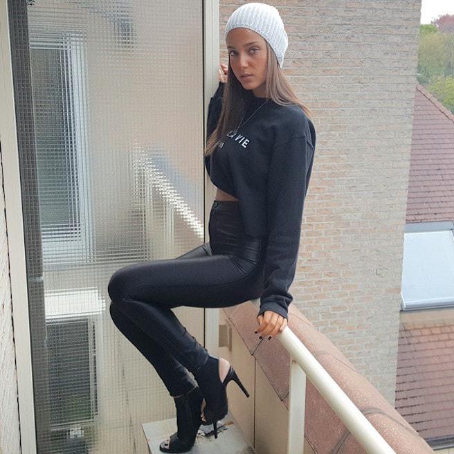 Neta Alchimister-Instagirl-Instagram-Sexy-Jolie-Canon-Fille-Femme-Blonde-Mannequin-Models-Bikini-Israel-Israelienne-bananhotbikinis.com-Elite-Model-effronte-08-min