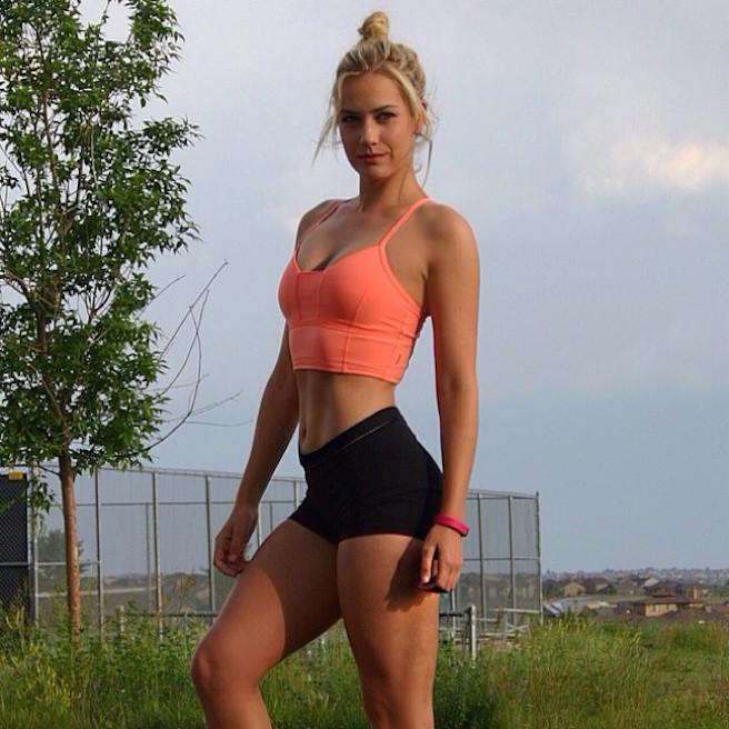 Paige Spiranac-Instagirl-Instagram-Sexy-Jolie-Canon-Fille-Femme-Blonde-Golf-LPGA-Golfeuse-Fitness-mannequin-swing-effronte-01