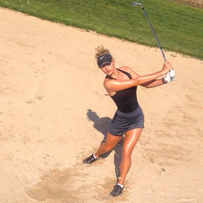 Paige-Spiranac-Instagirl-Instagram-Sexy-Jolie-Canon-Fille-Femme-Blonde-Golf-LPGA-Golfeuse-Fitness-mannequin-swing-effronte-15