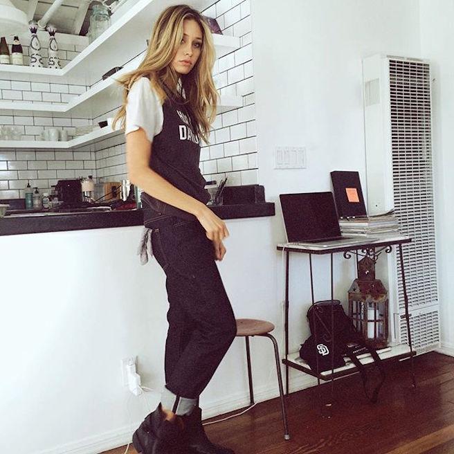 Cait Barker-Instagirl-Instagram-Caitlin-Sexy-Jolie-Canon-Fille-Femme-Blonde-Mannequin-Elite-Model-NewMark-Models-Bikini-Californie-Etats-Unis-USA-effronte-02
