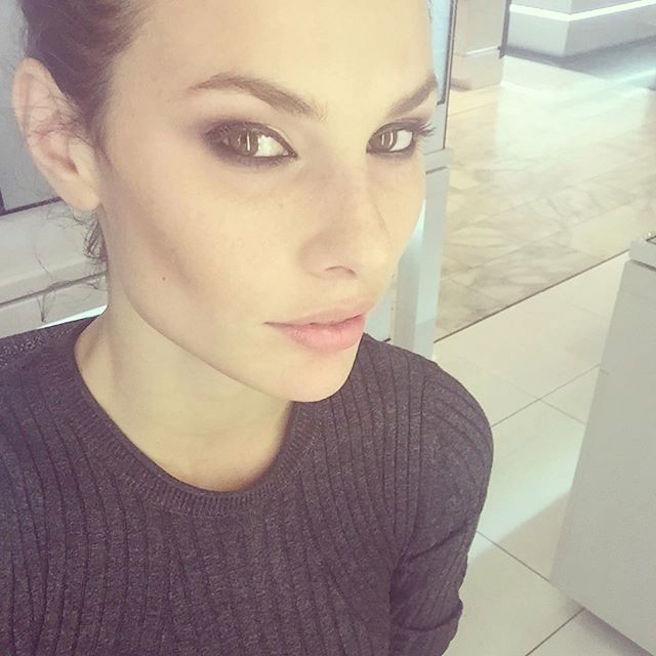 Dayane Mello-Instagirl-Instagram-Sexy-Jolie-Canon-Fille-Femme-Brune-Mannequin-Models-Bikini-Brésil-Brésilienne-Joinville-Model-Stefano-Sala-effronte-02
