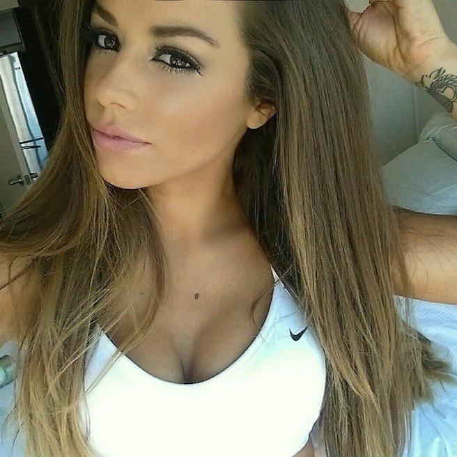 Juli-Annee-Instagirl-Instagram-Sexy-Jolie-Canon-Fille-Femme-Brune-Mannequin-Models-Bikini-Américaine-USA-San-Diego-Californie-Model-effronte-12_mini