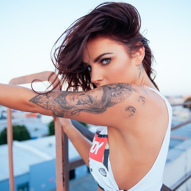 Kylie-Rae-Instagirl-Instagram-Sexy-Jolie-Canon-Fille-Femme-Blonde-Mannequin-Model-Models-Bikini-Los Angeles-Californie-Etats-Unis-USA-yeux-bleus-effronte-15