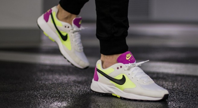 Nike Air ICARUS NSW 2016-Blanc-Volt-Fuchsia flash-Noir-réédition-running-retro-04