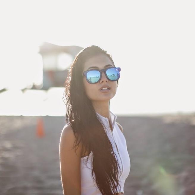 Racquel Natasha Instagirl-Instagram-Sexy-Jolie-Canon-Fille-Femme-Blonde-Mannequin-Model-Models-Bikini-Los Angeles-Californie-Etats-Unis-USA-Toronto-Avicii-Tim Bergling-effronte-01-Cover