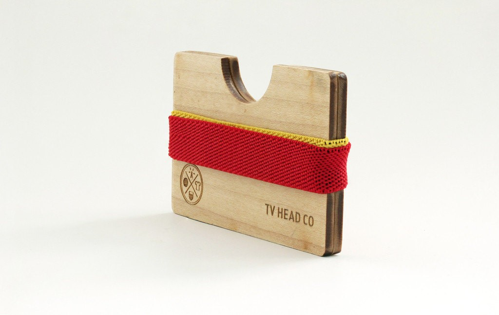 Porte Cartes En Bois TV Heads Clothing Selection