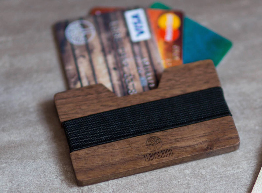 Touchons du bois les 10 meilleurs porte cartes en bois for Porte revues en bois