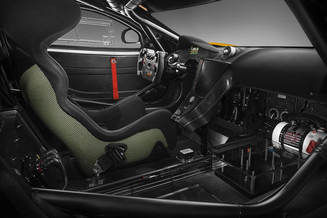2016-McLaren-650s-GT3-7