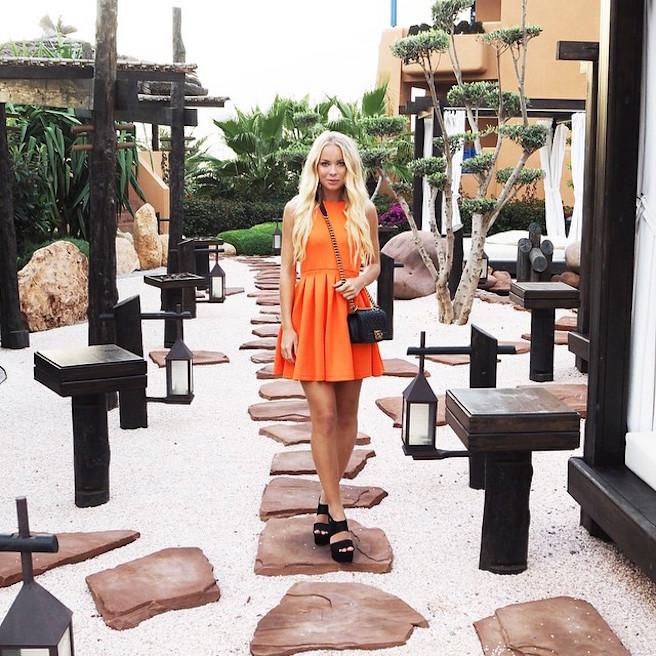 Victoria Tornegren-Instagirl-Instagram-Sexy-Jolie-Canon-Fille-Femme-Blonde-Mannequin-Blogueuse-Mode-Bikini-Suède-Suédoise-effronte-08