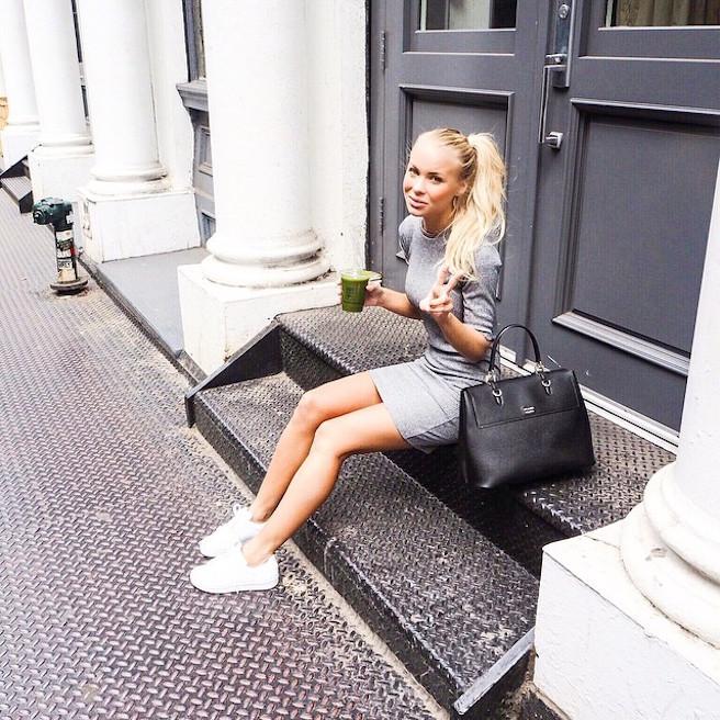 Victoria-Tornegren-Instagirl-Instagram-Sexy-Jolie-Canon-Fille-Femme-Blonde-Mannequin-Blogueuse-Mode-Bikini-Suède-Suédoise-effronte-13