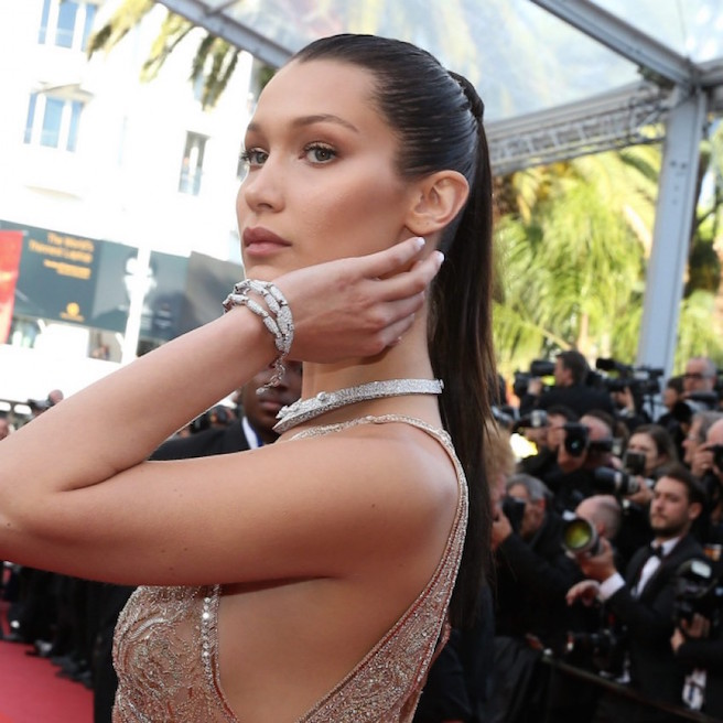 Bella Hadid-Instagirl-Instagram-Sexy-Jolie-Canon-Fille-Femme-Brune-Mannequin-IMG-Los-Angeles-Californie-Mode-Bikini-Soeur-Gigi-Hadid-The Weeknd-effronte-02