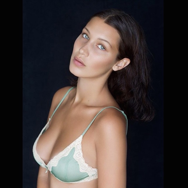 Bella Hadid-Instagirl-Instagram-Sexy-Jolie-Canon-Fille-Femme-Brune-Mannequin-IMG-Los-Angeles-Californie-Mode-Bikini-Soeur-Gigi-Hadid-The Weeknd-effronte-11
