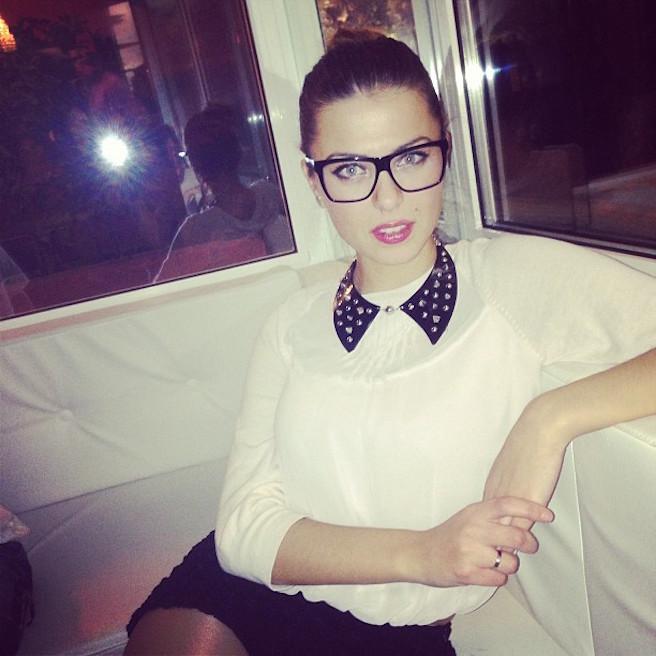 Rike Roci-Albanie-Albanaise-Tirana-Instagirl-Instagram-Sexy-Jolie-Canon-Fille-Femme-Blonde-Foot-Big Bgrother-bikini-effronte-02