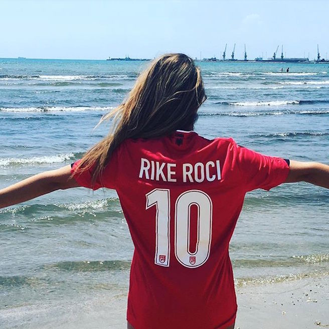 Rike Roci-Albanie-Albanaise-Tirana-Instagirl-Instagram-Sexy-Jolie-Canon-Fille-Femme-Blonde-Foot-Big Bgrother-bikini-effronte-13